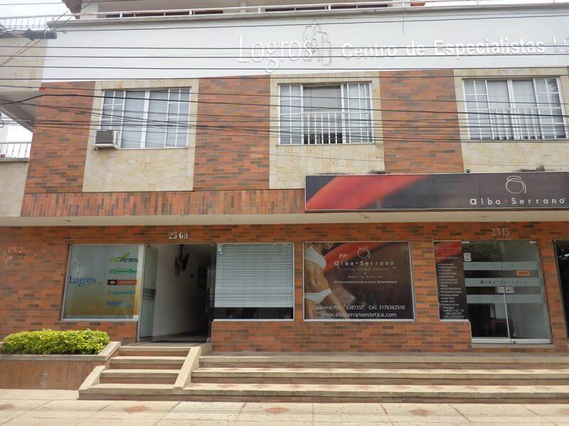 Oficinas en Cañaveral 3 pisos entrada principal